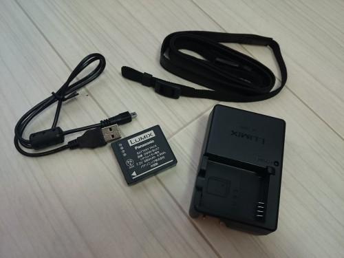 バッテリー・チャージャー・USBケーブル・ロングショルダーストラップ